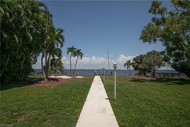 5239 Nautilus Drive, Cape Coral, FL 33904 (MLS #221034099) :: Florida Homestar Team