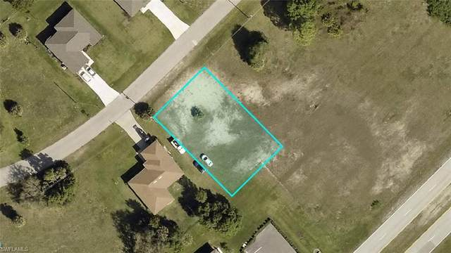 1818 NE 34th Lane, Cape Coral, FL 33909 (MLS #221034161) :: Clausen Properties, Inc.