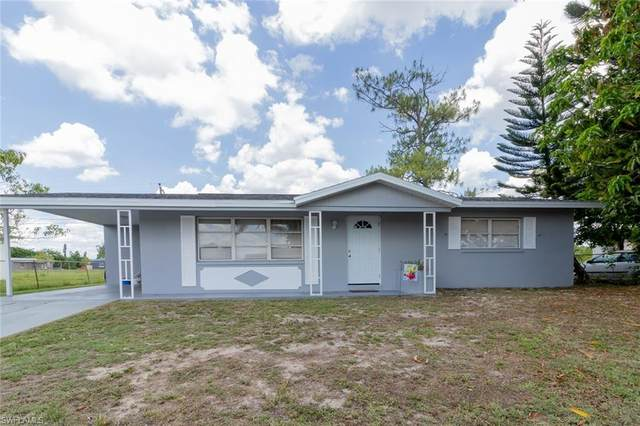 1111 Gifford Avenue N, Lehigh Acres, FL 33936 (MLS #221034410) :: Premier Home Experts