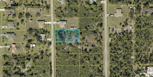 710 Lake Avenue, Lehigh Acres, FL 33972 (MLS #221034441) :: Clausen Properties, Inc.