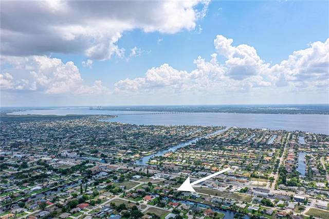 3716 SE 15th Place, Cape Coral, FL 33904 (MLS #221034627) :: Clausen Properties, Inc.