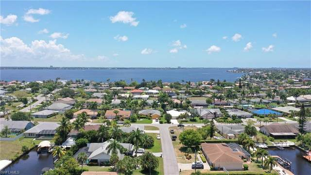 2522 SE 23rd Avenue, Cape Coral, FL 33904 (#221034715) :: Caine Luxury Team