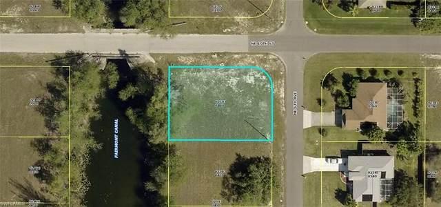 860 NE 6th Avenue, Cape Coral, FL 33909 (MLS #221034917) :: #1 Real Estate Services