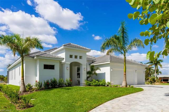 1402 Wellington Court, Cape Coral, FL 33904 (MLS #221035112) :: Coastal Luxe Group Brokered by EXP