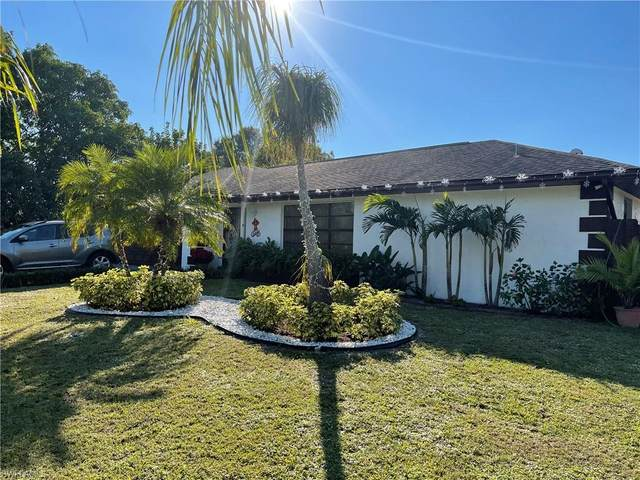 27 Lorelei Avenue, Lehigh Acres, FL 33936 (MLS #221035181) :: Premier Home Experts