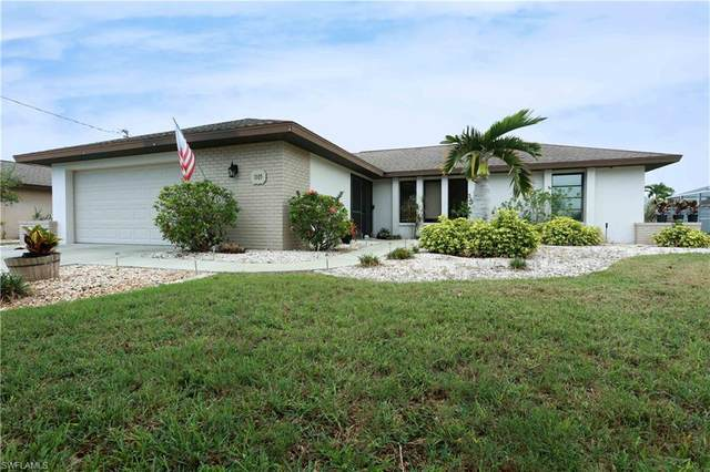 1105 SE 20th Place, Cape Coral, FL 33990 (MLS #221035432) :: BonitaFLProperties
