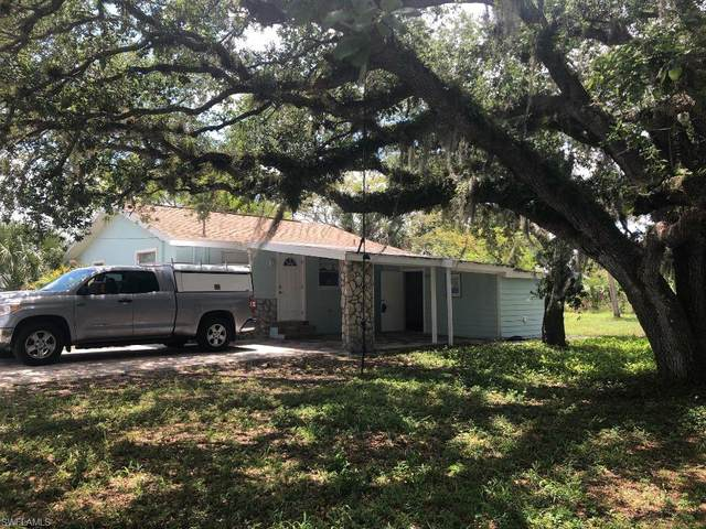 11450 Pendleton Street, Bonita Springs, FL 34135 (#221035812) :: The Dellatorè Real Estate Group