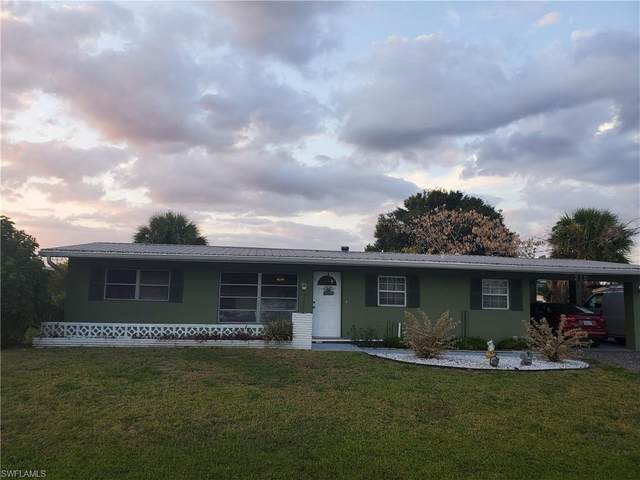 210 Glenmont Drive E, North Fort Myers, FL 33917 (MLS #221036004) :: RE/MAX Realty Team