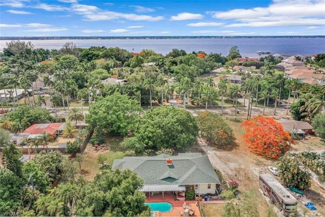 11881 Mcgregor Boulevard, Fort Myers, FL 33919 (MLS #221036238) :: The Naples Beach And Homes Team/MVP Realty