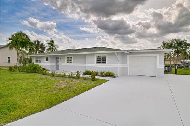 2168 Club House Road, North Fort Myers, FL 33917 (MLS #221037826) :: Realty World J. Pavich Real Estate