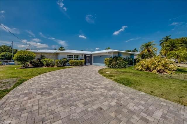 1649 Swan Terrace, North Fort Myers, FL 33903 (#221038496) :: The Dellatorè Real Estate Group