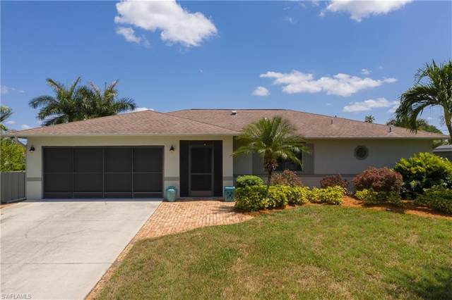 1033 Ione Drive, Fort Myers, FL 33919 (MLS #221039045) :: The Naples Beach And Homes Team/MVP Realty