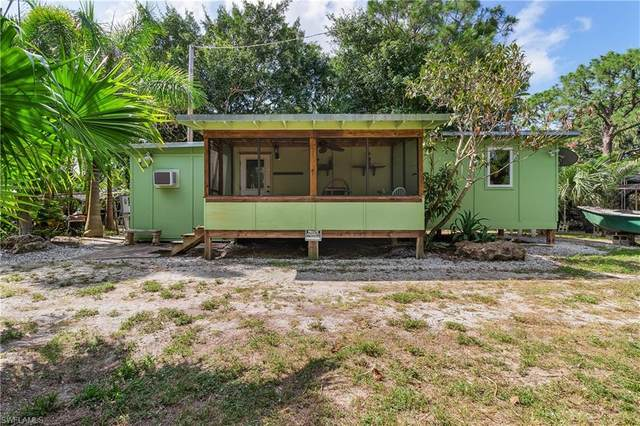 6520 Stringfellow Road, St. James City, FL 33956 (MLS #221039979) :: Wentworth Realty Group