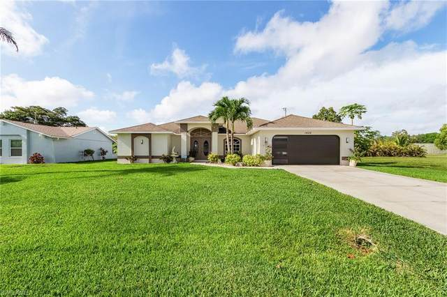 1622 SE 20th Street, Cape Coral, FL 33990 (MLS #221040474) :: Realty World J. Pavich Real Estate