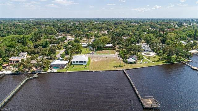 10 Live Oak Lane, Fort Myers, FL 33905 (MLS #221040972) :: Wentworth Realty Group