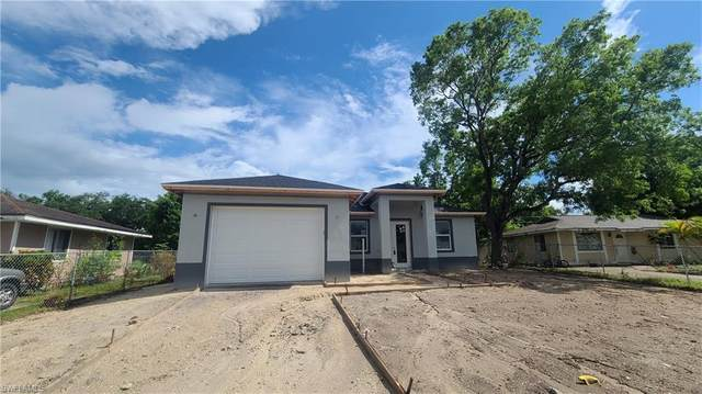 20 Roanoke Drive, Fort Myers, FL 33905 (MLS #221041281) :: Clausen Properties, Inc.