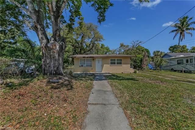 2663 Saint Charles Street, Fort Myers, FL 33916 (#221042052) :: We Talk SWFL