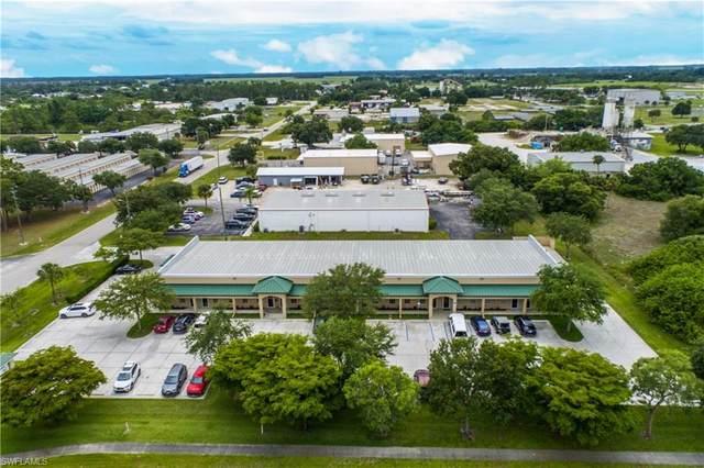 825 E Cowboy Way, Labelle, FL 33935 (MLS #221042222) :: Clausen Properties, Inc.