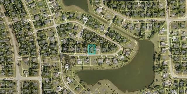 864 Geneva Street, Lehigh Acres, FL 33974 (MLS #221042360) :: Realty World J. Pavich Real Estate