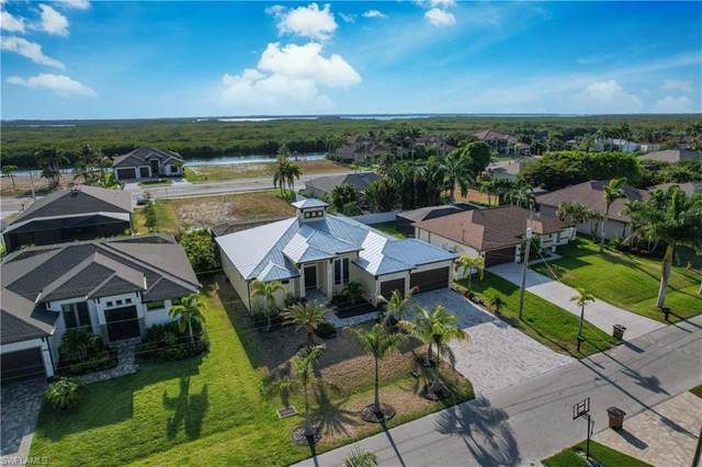3118 SW 29th Avenue, Cape Coral, FL 33914 (MLS #221042437) :: Realty World J. Pavich Real Estate
