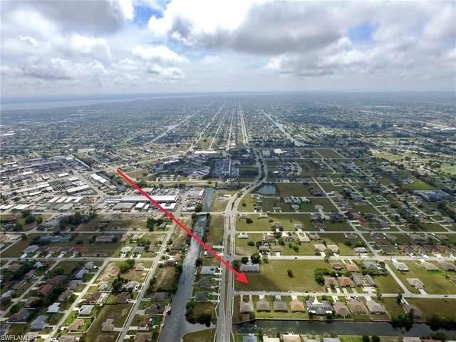 718 SE 7th Street, Cape Coral, FL 33990 (#221042573) :: The Dellatorè Real Estate Group