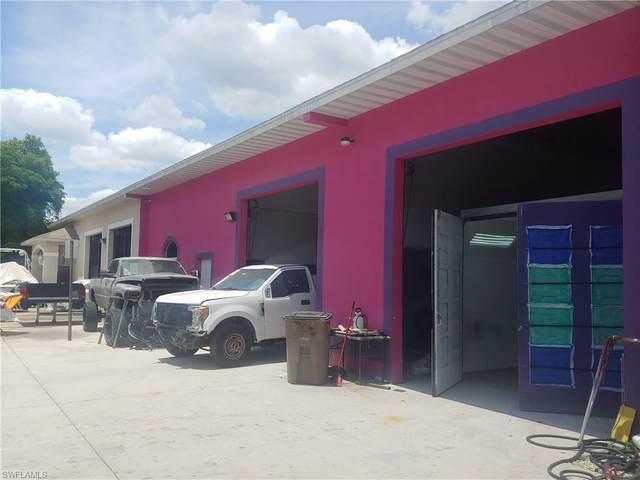 425 NE 3rd Avenue, Cape Coral, FL 33909 (MLS #221042663) :: Clausen Properties, Inc.
