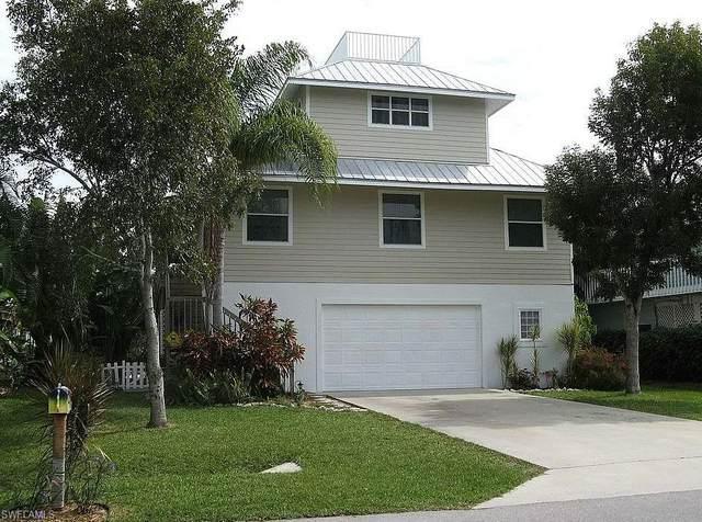 1290 Rainbow Court, Naples, FL 34110 (MLS #221043122) :: Bowers Group   Compass