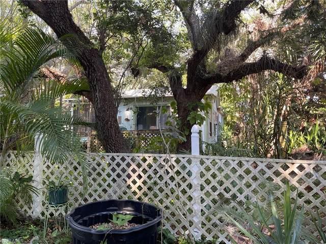 782/784 Oak Street, Fort Myers Beach, FL 33931 (MLS #221043423) :: Team Swanbeck