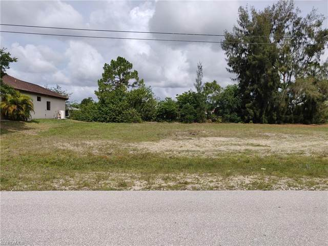 1402 SW 8th Place, Cape Coral, FL 33991 (MLS #221043437) :: Avantgarde