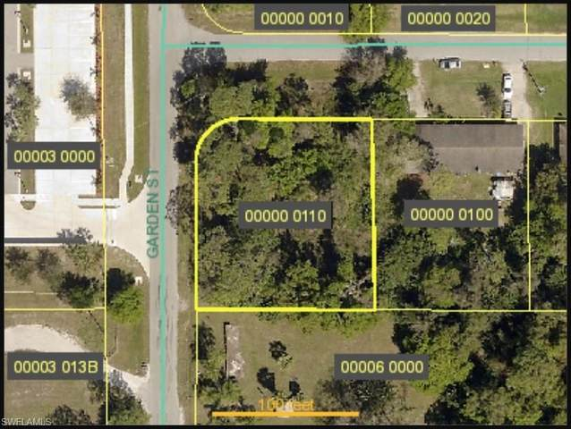 4400 Ruthann Court, North Fort Myers, FL 33917 (MLS #221043646) :: Realty Group Of Southwest Florida