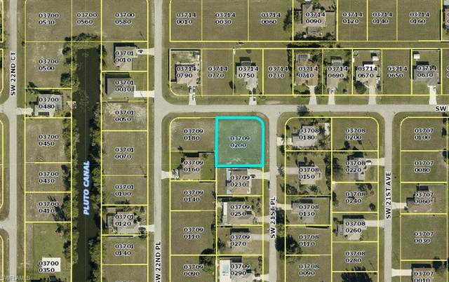 18 SW 21st Place, Cape Coral, FL 33991 (MLS #221043712) :: RE/MAX Realty Team