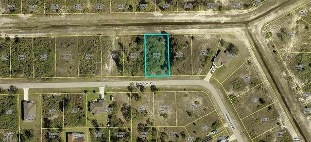 125 Paxton Street, Lehigh Acres, FL 33974 (MLS #221044085) :: #1 Real Estate Services