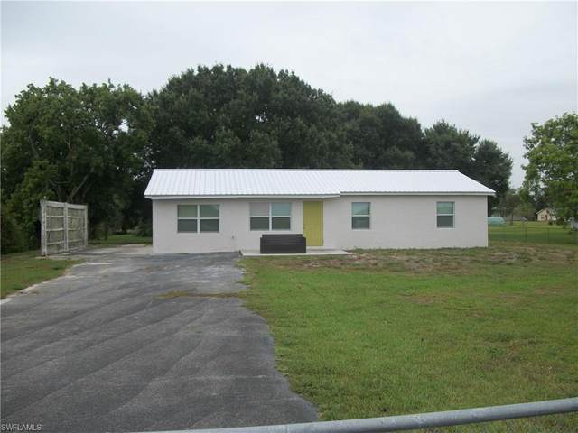 1139 Western Drive, Moore Haven, FL 33471 (MLS #221044458) :: Realty World J. Pavich Real Estate