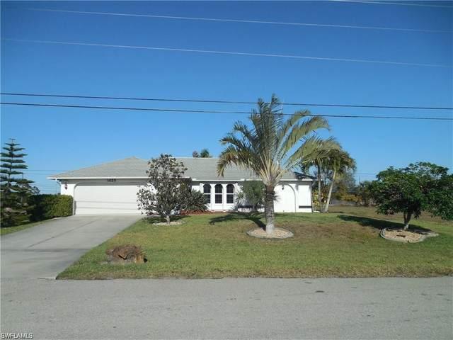 1425 NE 4th Place, Cape Coral, FL 33909 (#221044987) :: Southwest Florida R.E. Group Inc