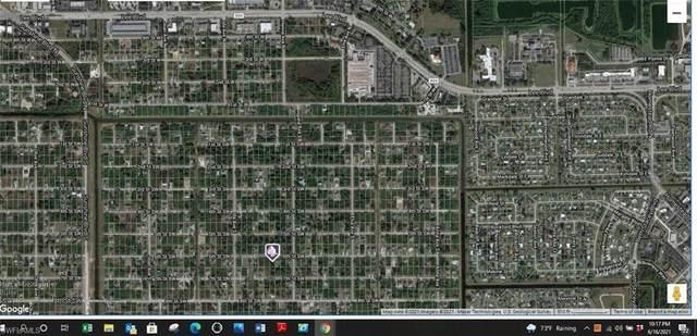 2807 6th Street SW, Lehigh Acres, FL 33976 (MLS #221045026) :: The Naples Beach And Homes Team/MVP Realty