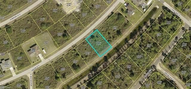 946 Green Street E, Lehigh Acres, FL 33974 (MLS #221045112) :: Clausen Properties, Inc.