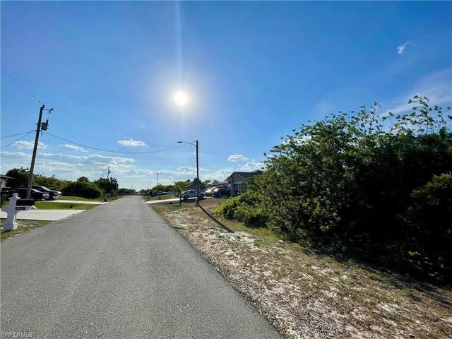 3012 12th Street SW, Lehigh Acres, FL 33976 (MLS #221045222) :: The Naples Beach And Homes Team/MVP Realty