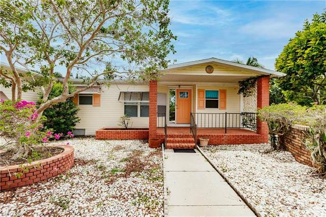 10013 Bardmoor Court, North Fort Myers, FL 33903 (#221046249) :: The Dellatorè Real Estate Group