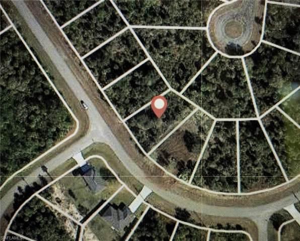 5022 S Peachtree Circle, Labelle, FL 33935 (#221046423) :: The Dellatorè Real Estate Group