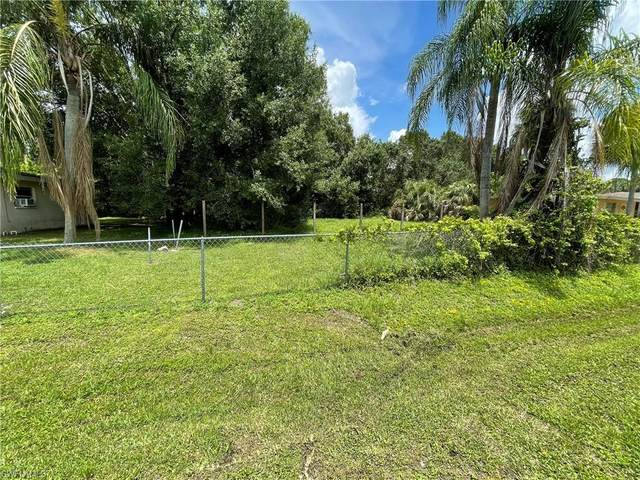 2128 E Gardenia Circle, North Fort Myers, FL 33917 (MLS #221047170) :: Realty Group Of Southwest Florida