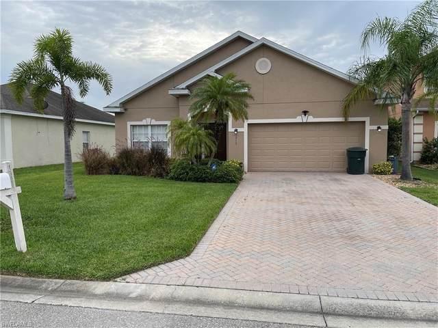 8213 Silver Birch Way, Lehigh Acres, FL 33971 (MLS #221047953) :: Florida Homestar Team