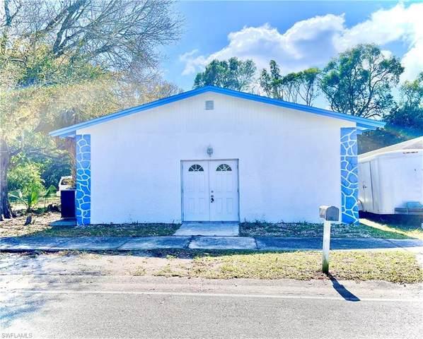 2640 Larmie Street, Fort Myers, FL 33916 (MLS #221048298) :: Florida Homestar Team