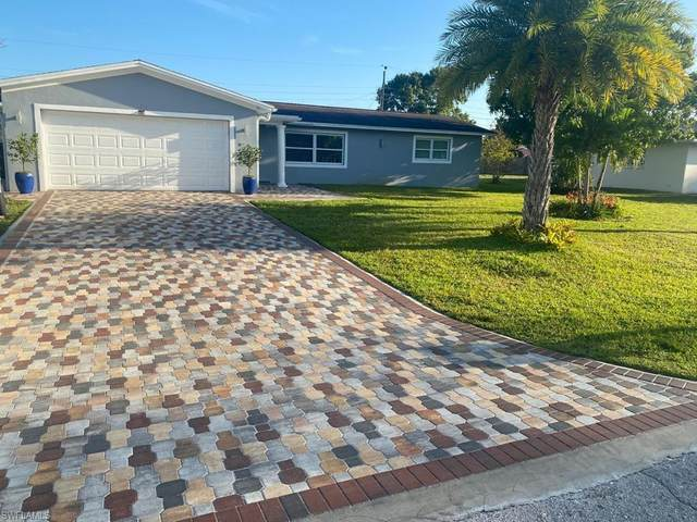 1517 Huntdale Street E, Lehigh Acres, FL 33936 (MLS #221049772) :: Realty World J. Pavich Real Estate