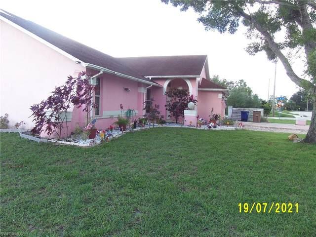 400 Joel Boulevard, Lehigh Acres, FL 33936 (#221051482) :: Caine Luxury Team