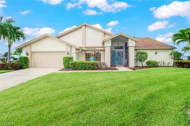 6910 Julie Ann Court, Fort Myers, FL 33919 (MLS #221052122) :: The Naples Beach And Homes Team/MVP Realty