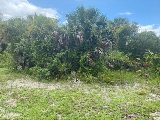 515 Poinsettia Avenue, Lehigh Acres, FL 33972 (MLS #221053187) :: The Naples Beach And Homes Team/MVP Realty