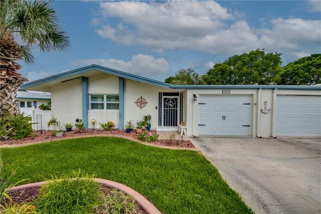 5574 Hamlet Lane, Fort Myers, FL 33919 (MLS #221053395) :: Realty Group Of Southwest Florida