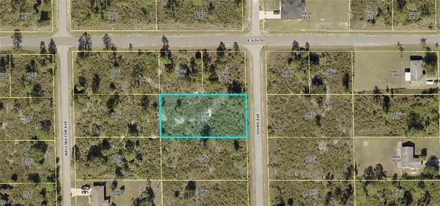 521 Johns Avenue, Lehigh Acres, FL 33972 (#221053439) :: The Dellatorè Real Estate Group