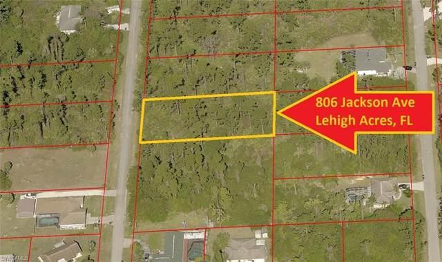 806 Jackson Avenue, Lehigh Acres, FL 33972 (#221053690) :: The Dellatorè Real Estate Group
