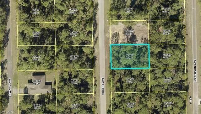 2008 Robert Avenue, Alva, FL 33920 (MLS #221053736) :: Clausen Properties, Inc.